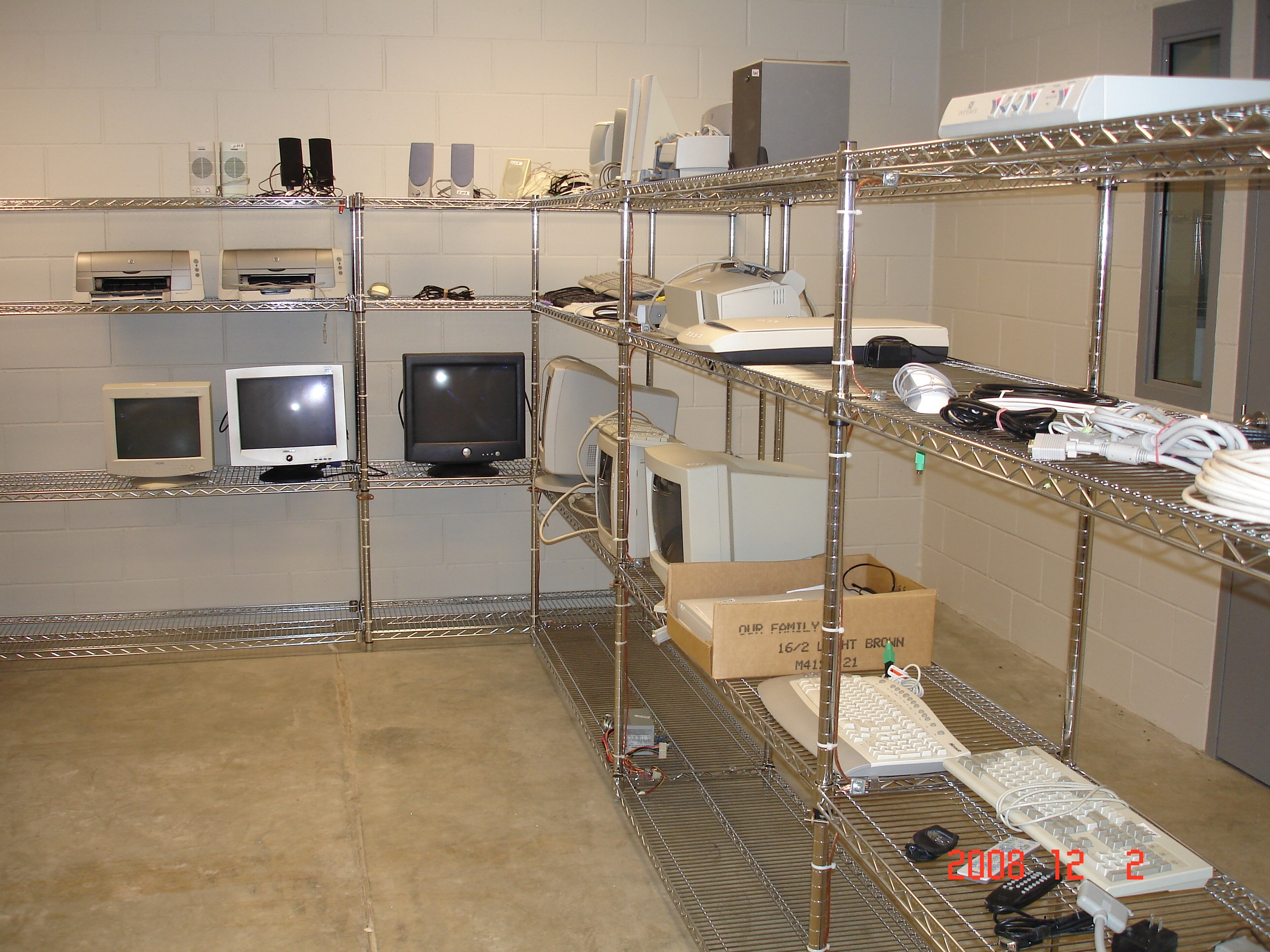 Electronics Reuse Room Picture